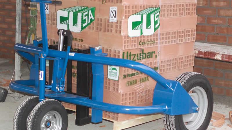 Transpaleta de obra para palets 1.200 kg