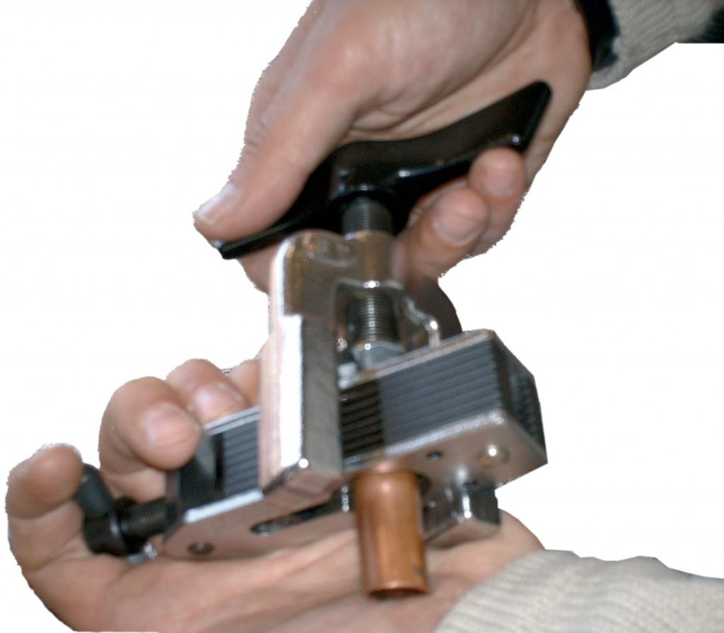 Alquiler-Kit abocador y cortatubos para tubo de cobre