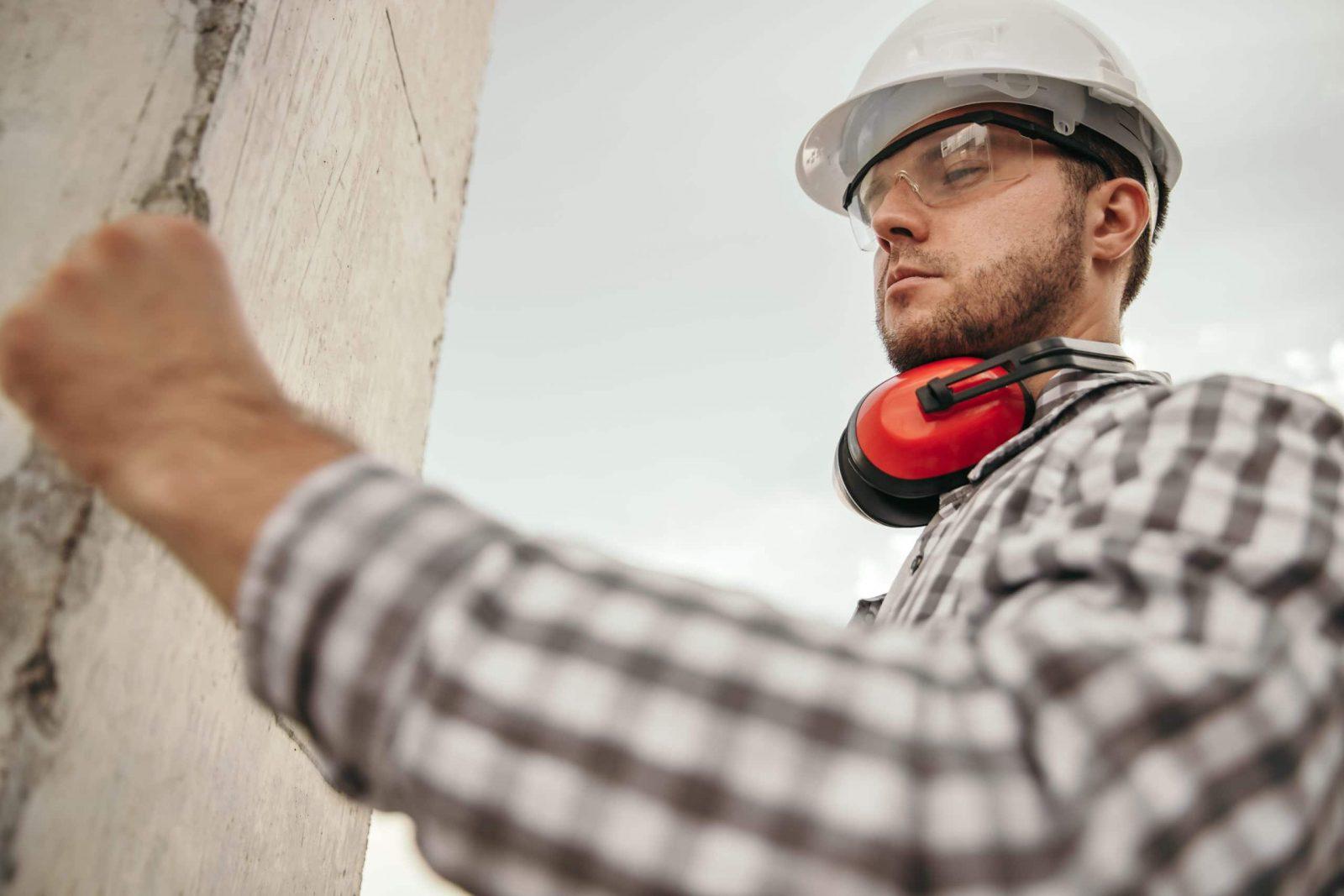 protección gafas, casco y cascos