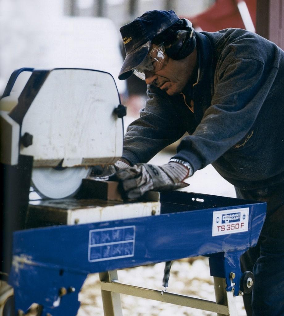 Alquiler-Tronzadora de material de construcción Ø 350mm, 2.200W, 230v, 1200mm